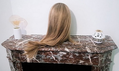La chimiothérapie, traitement anticancéreux, fait souvent perdre les cheveux. Les critères à considérer pour l'achat d'une perruque / prothèse capillaire sont