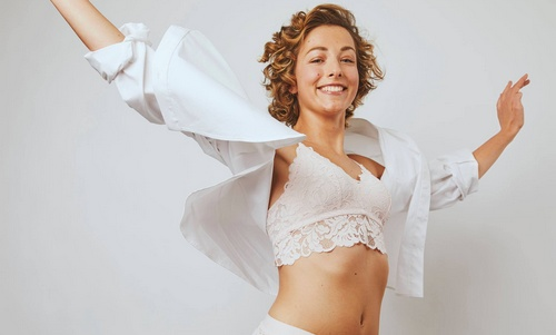 J'ai eu la chance et la fierté de participer au superbe projet et 1ère collection d'Etam de lingerie et maillots adaptés post mastectomie et tumorectomie.