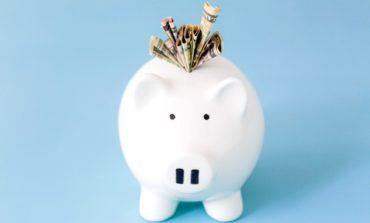 Malgré le système en France où les soins contre le cancer sont remboursés à 100%, de nombreuses dépenses à côté sont à prévoir. Voici quelques aides financières.
